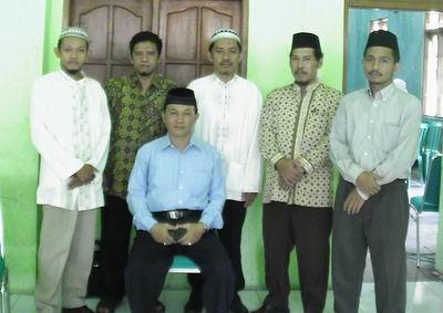 Peserta dan Pak Muhyidin (duduk)