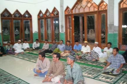 Jamaah Masjid di Josroyo antusias belajar arah Kiblat