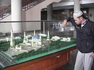 Arah Masjid di Maket sudah dibelokkan