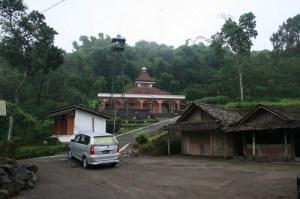 Masjid mBah Maridjan