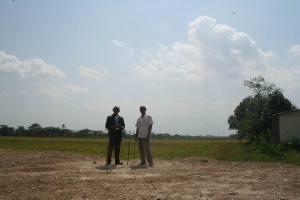 Bersama Ust. Muhyidin selepas ukur kiblat (10/09/11)