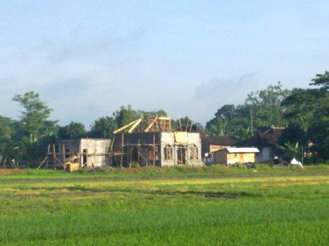 Foto Masjid pada 23 Nopember 2011 (dari Tenggara)
